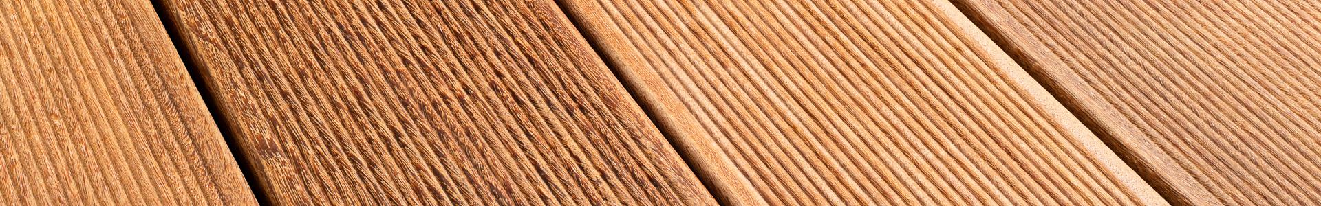 Terassilaudoille tarkoitettu Növlek®-kiristystyökalu nopeuttaa asentamista sekä auttaa saamaan näyttävämmän ja viimeistellymmän terassin lattian.